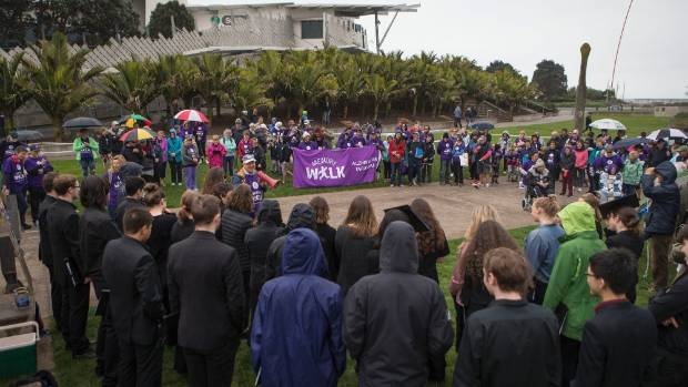 A memory walk for Alzheimer's Disease travelled along the coastal walkway in New Plymouth on Sunday.