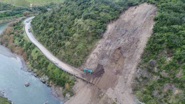 Work to clear slips through the Manawatū Gorge has stopped indefinitely.