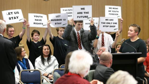 Number 10 youth leader Emma Prinsloo, on right, with youth behind her making their case to councillors.
