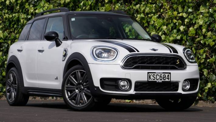 Mini Countryman Cooper S E Plugs Into Some Hybrid Tech From Bmw