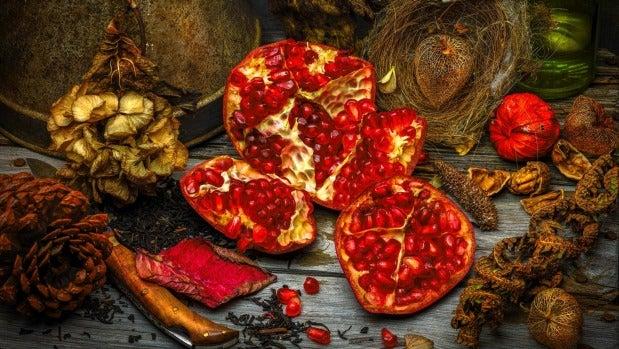 Simon Schollum's image ???Pomegranate??? won the still life category of the International Garden Photographer Of The ...