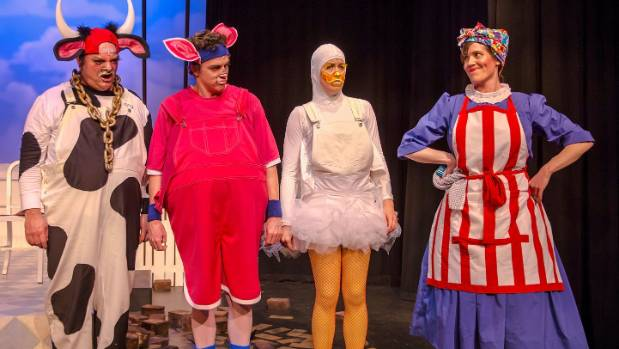 Prized Cow (Tim Raby), Duck (Kate Burson) and Pig (Dylan Underwood) take the stage with Mrs Wishy Washy ((Hayley Dallimore).