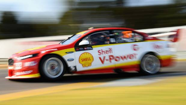 McLaughlin sets the pace at Bathurst