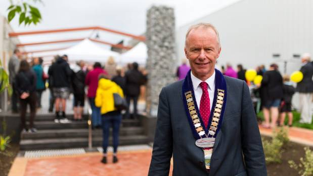 South Taranaki mayor Ross Dunlop says it's important for councils to show leadership by investing in their CBDs.