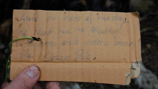 The note describing Louie's heroic actions leading Robert Kvick, of Alexandra, to his trapped dog Maddy.