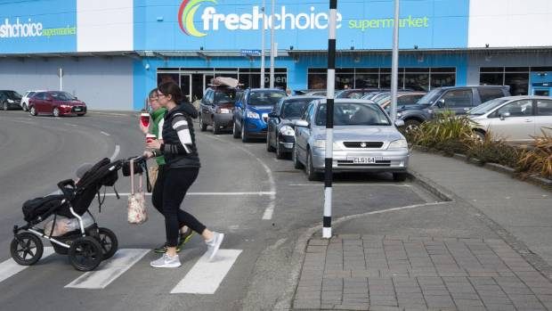 The Southland District Council has decided to allow the Te Anau Fresh Choice supermarke  to move it's entrance and exit ...