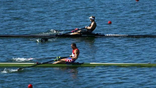 Mahe Drysdale pips Croatia's Damir Martin to gold.