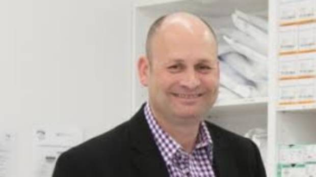 Dr Hans Raetz, the president of the New Zealand Society of Cosmetic Medicine, has taken his concerns about unqualified ...