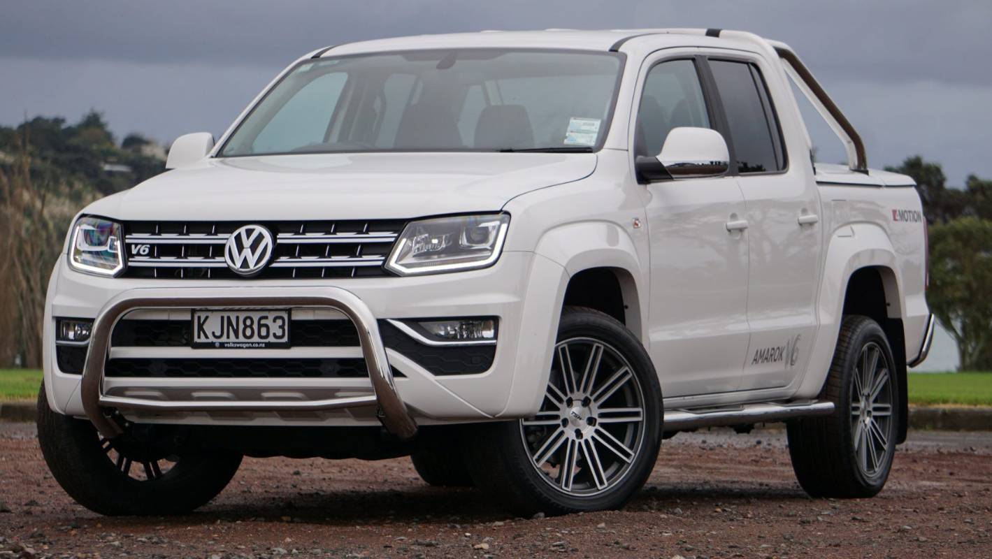 why the volkswagen amarok v6 is our top pickup truck of. Black Bedroom Furniture Sets. Home Design Ideas