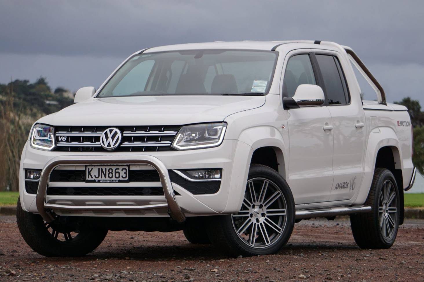 Why The Volkswagen Amarok V6 Is Our Top Pickup Truck Of 2017 Stuff Co Nz