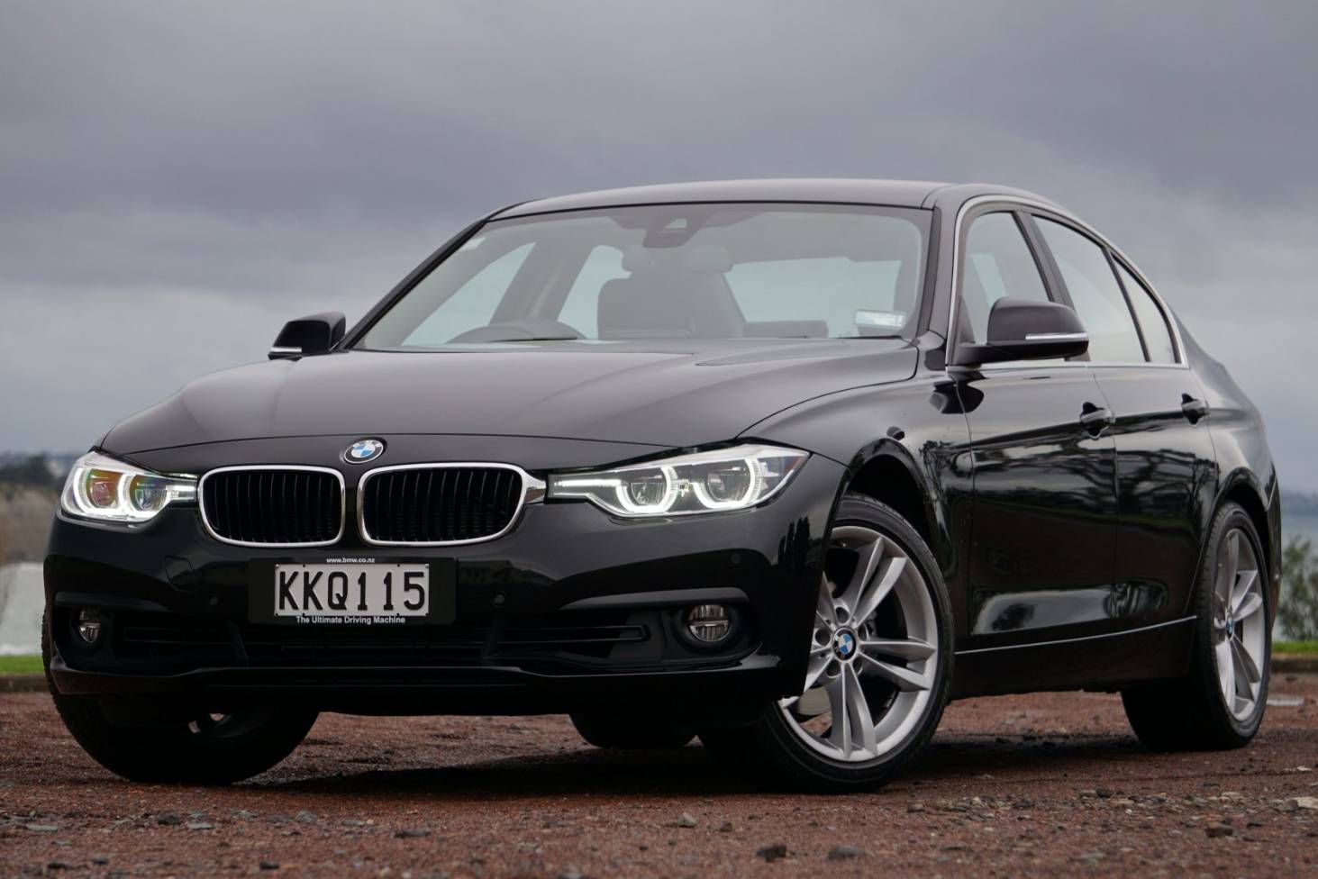 Why The Bmw 318i Is Our Top Family Car Of 2017 3 0 Engine Problems