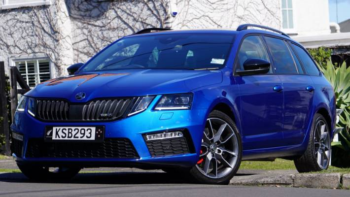 Why The Skoda Octavia Is Our Top Estate Car Of 2017 Stuff Co Nz