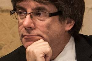 Catalan President Carles Puigdemont has ignored a Spanish government deadline to drop the region's secession campaign.