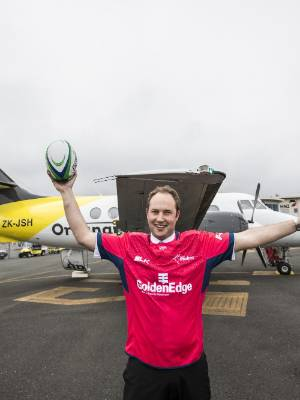 Originair flight OG3313 Captain Warwick Wild shows his support for the Tasman Makos before a flight to New Plymouth today.