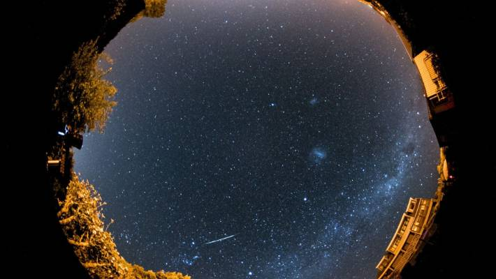 A Japanese company plans to organize the first artificial meteor shower in the world.