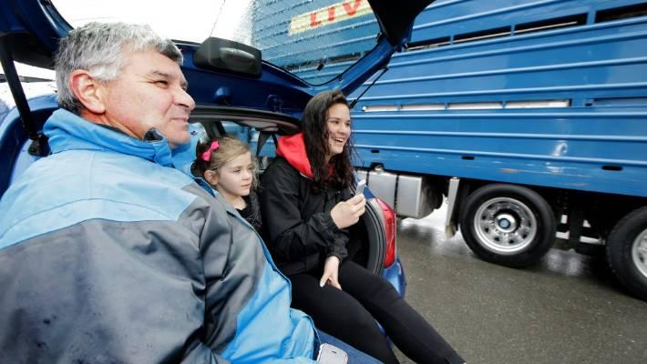 eden haulage takes  titles   southland transport invercargill truck parade stuffconz