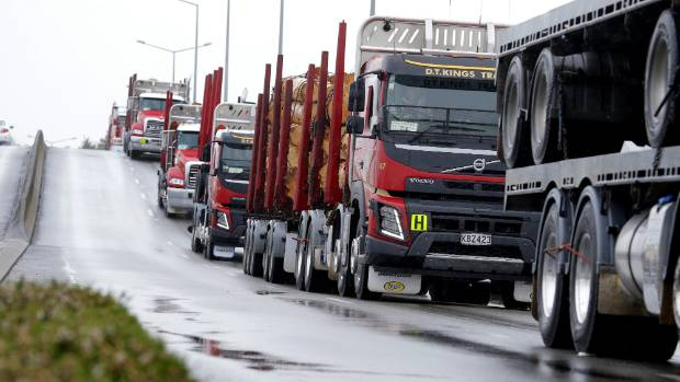 Eden Haulage takes the titles at the Southland Transport Invercargill Truck Parade | Stuff.co.nz