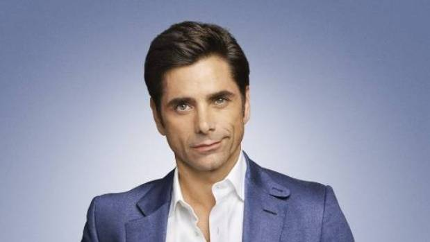 John Stamos announces his engagement to Caitlin McHugh