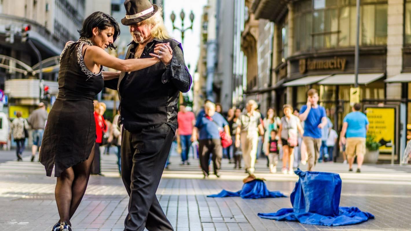 Salsa in Cuba, samba in Brazil - dance your way around the world