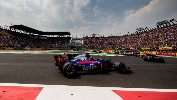 Daniel Ricciardo, Brendon Hartley hit with grid penalties in Mexico