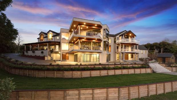 Sold Sign Goes Up On Waikato Mansion Stuff Co Nz