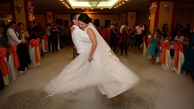 Kiwi Couples Cant Get Enough Of Ed Sheeran At Their Wedding