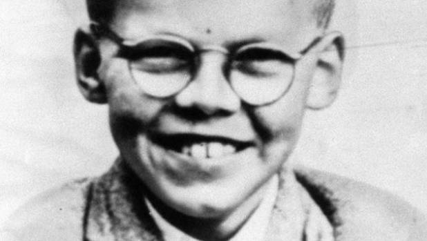 Moors Murderer Ian Brady's body dumped in sea in early-morning funeral