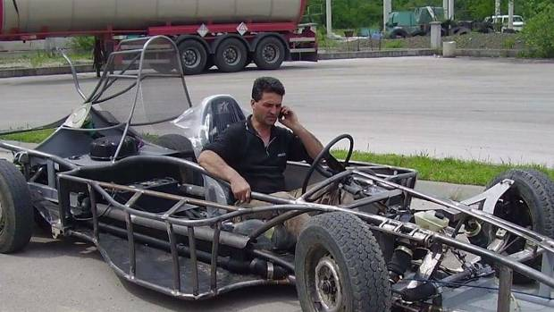 Mechanic Spends Two Years Building Road Worthy Formula 1 Car From Scratch Stuff Co Nz