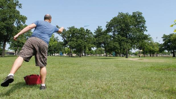 playing golf with fewer clubs