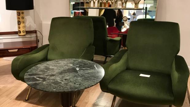 A Kiwis walkingguide to vintage furniture shopping in London