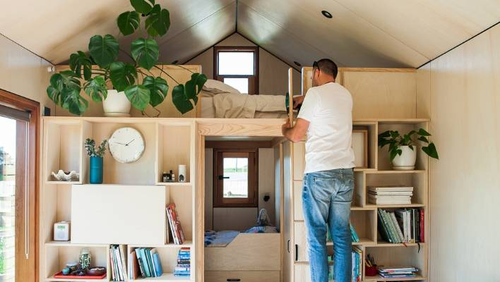 family of five love their tiny house  and they u0026 39 re going to