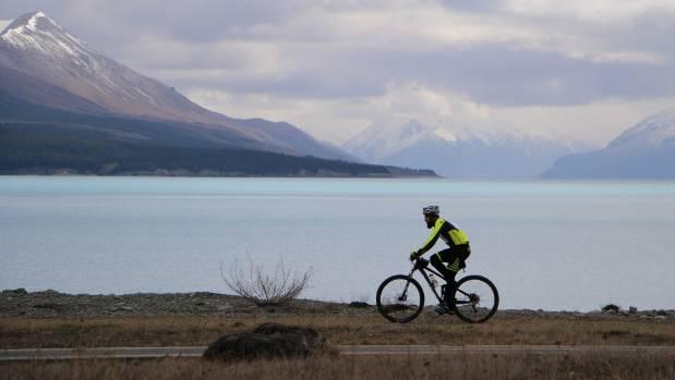 The Alps 2 Ocean cycle trail runs along Lake Pūkaki through the bottom edge of Guide Hill Station.