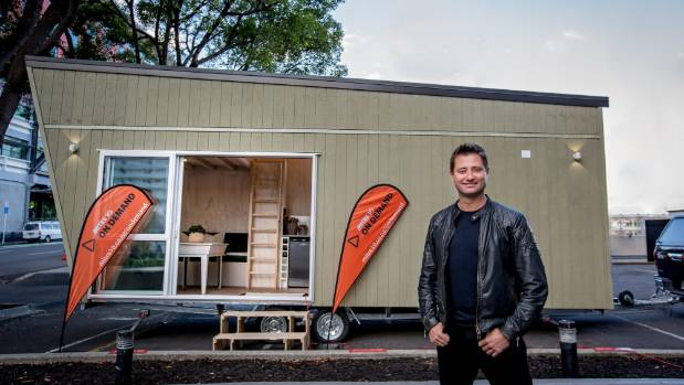 George Clarke shows how to build a DIY tiny house for $50k and ...