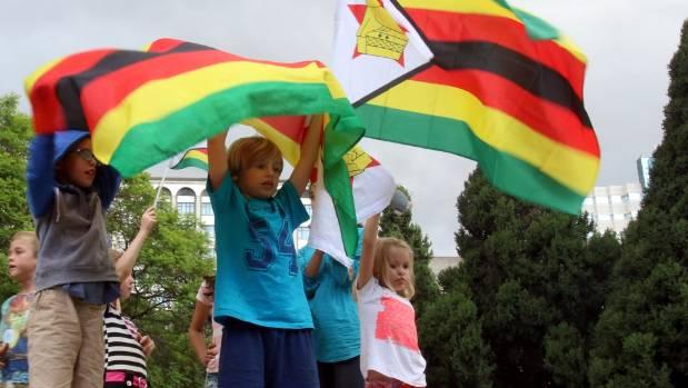 Robert Mugabe faces impeachment as deadline passes