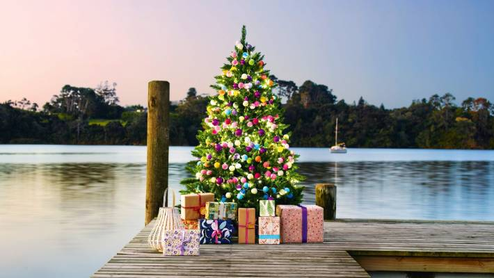 How To Take Care Of A Real Christmas Tree.Decorate Your Christmas Tree Like A Stylist Stuff Co Nz