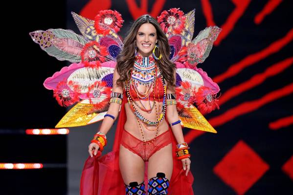 fa58bbbb07e BEST OF VICTORIA'S SECRET 2017: Alessandra Ambrosio hit the Victoria's  Secret runway for the last