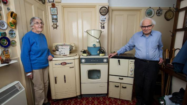 Uk Couple Finally Ditch Their Kitchen Appliances After 60