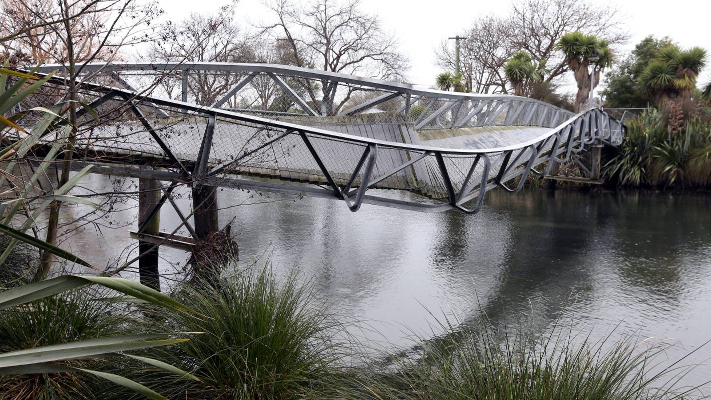 Christchurch S Twisty Earthquake Damaged Bridge To Form