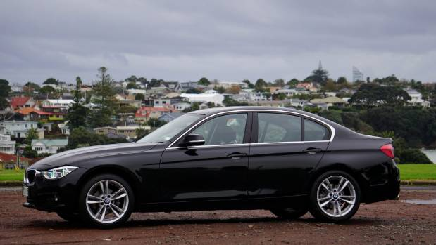 three cheers for the bmw 318i proof that the internal combustion rh stuff co nz bmw 318i operating manual bmw 318i owners manual free download