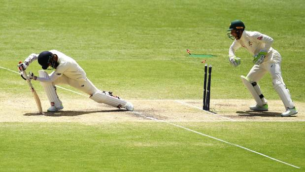 Kiwi umpire's controversial decision in Ashes
