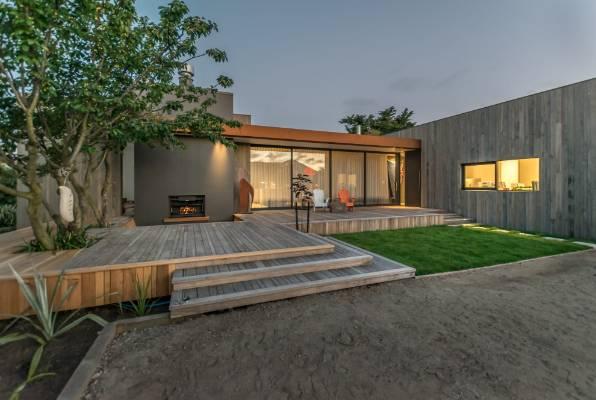 House behind 39 heartbreaking 39 grand designs episode for for House behind house designs