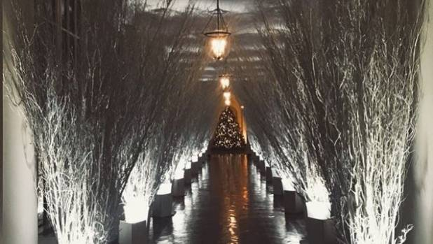 Melania Trump 39 S Christmas Decor At The White House Is The