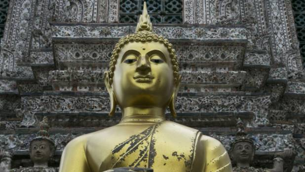 USA tourists held for baring buttocks at Thai temple