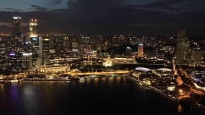 City lights singapore expats dating