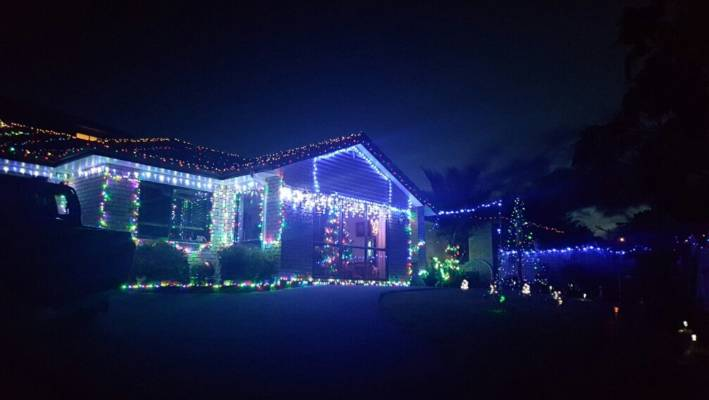 House With Christmas Lights.Where To Find Houses With Christmas Lights In West Auckland