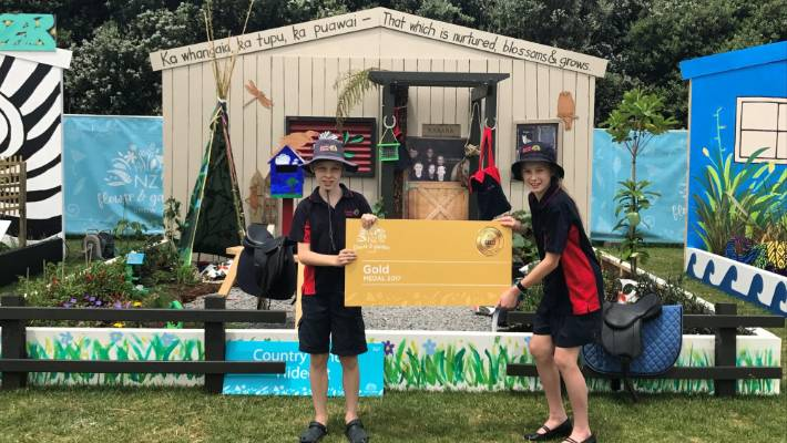 Students Multi Purpose Garden Stands Out Stuff Co Nz