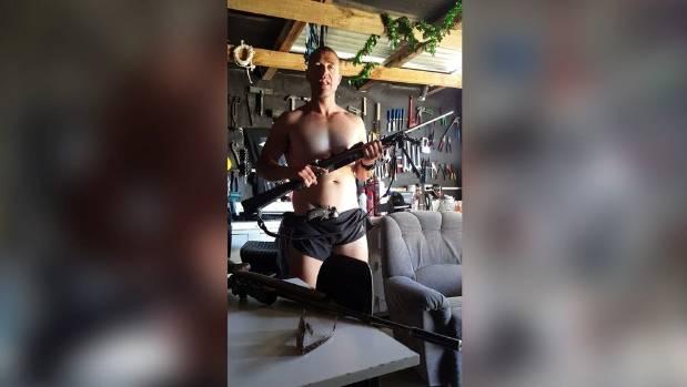 Fleeing meth boss chucks weapons stash in police raid