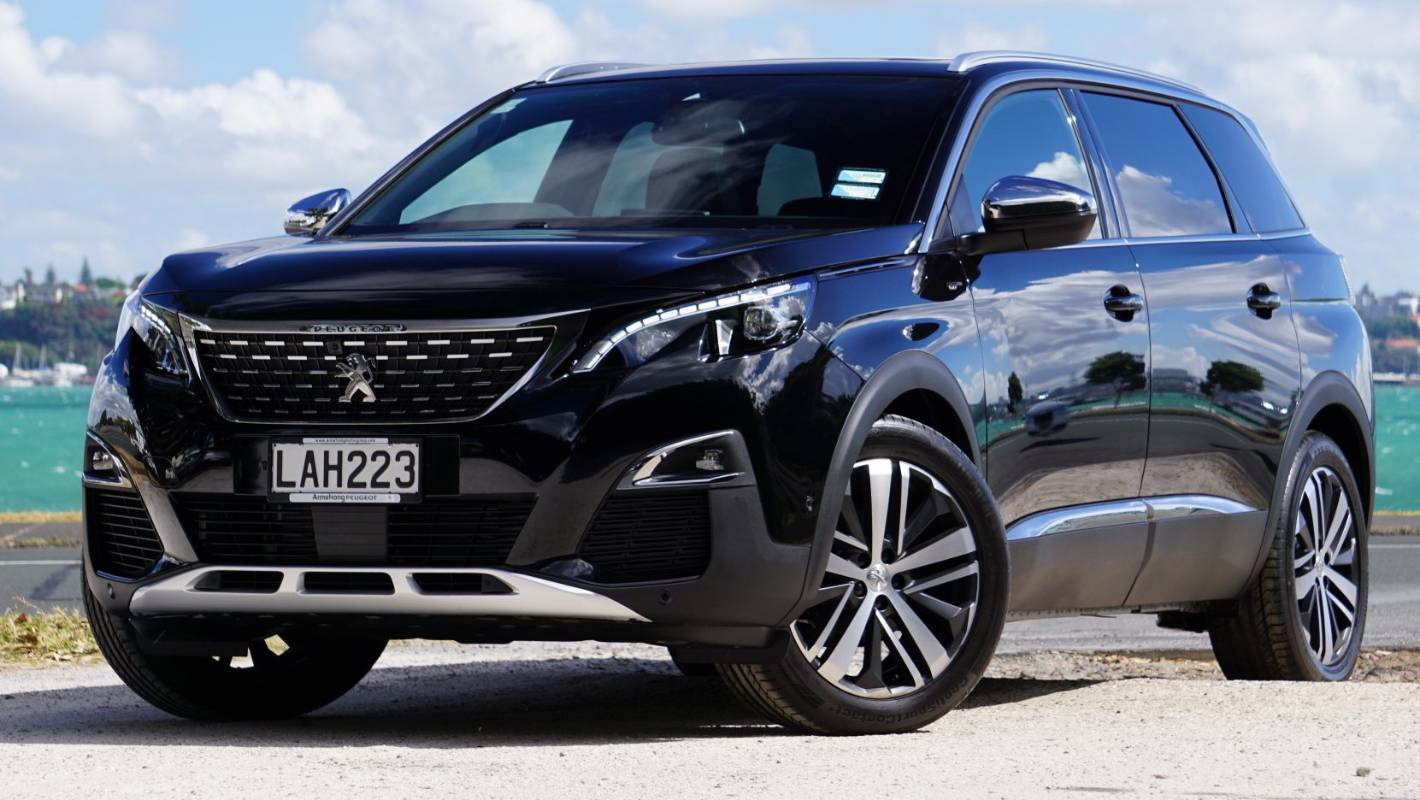 peugeot 5008 brings mpv smarts and kitten massages to the suv crowd. Black Bedroom Furniture Sets. Home Design Ideas