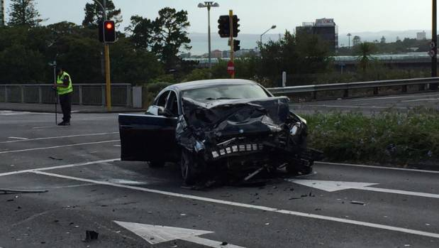 One Person Killed Two Flee Scene Of Auckland Car Crash