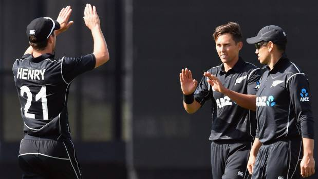 Rain halts play in Christchurch ODI